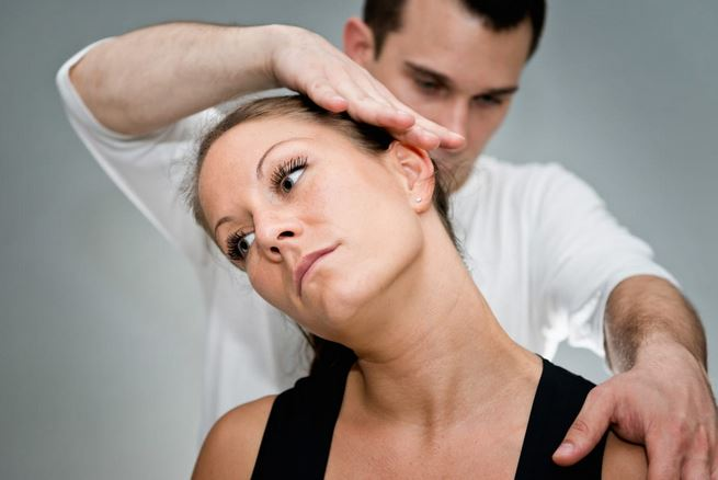 5 Signs It's Time to Visit a Chiropractor