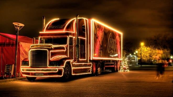 Know the different pathways to create the most compelling truck lettering and promote your business