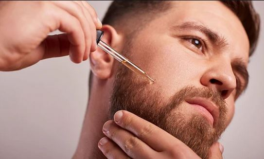 How you can moisturize and scent your beard with beard oil