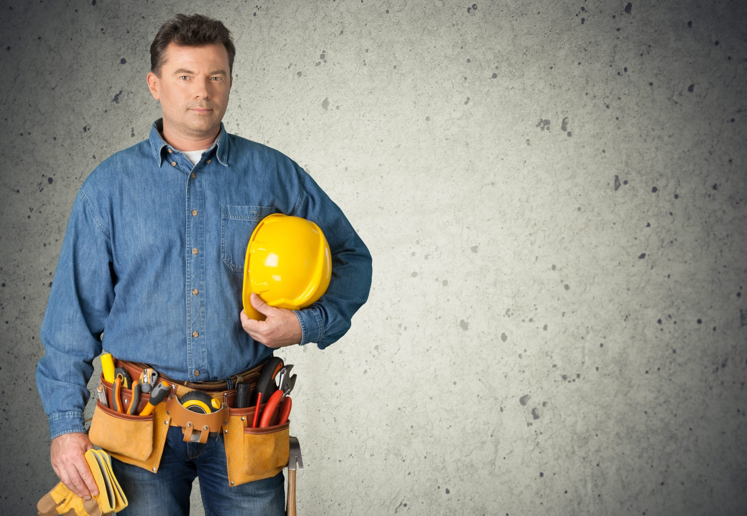 Why Do Electrical Contractors and Electricians Need Business Insurance?