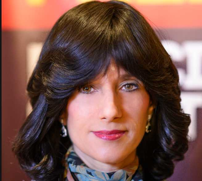 Some Reasons To Wear Wigs With Bangs