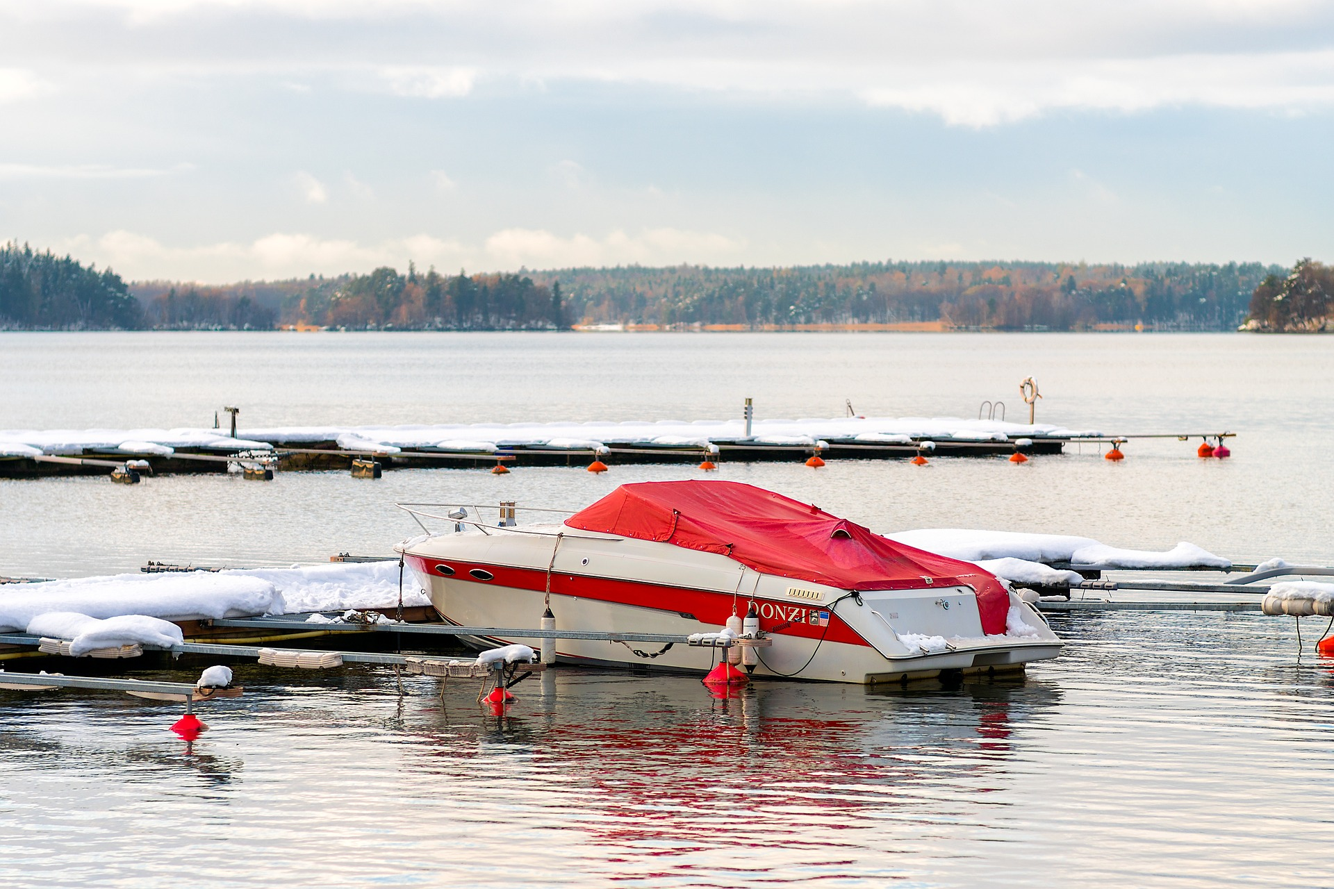 4 Boating Safety Tips to Keep In Mind This Winter Season
